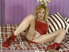 Sexy amateur MILF with pierced pussy